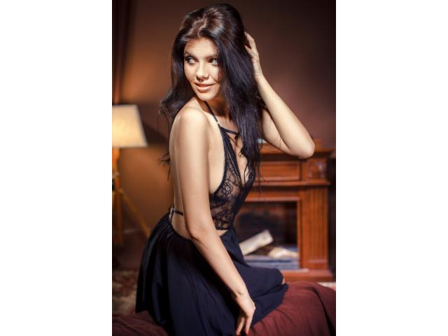 Attractive girls with a desire to earn a lot of money and make model career